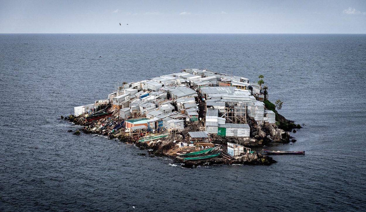 Остров Мигинго (Migingo) - самый густо населенный остров в мире