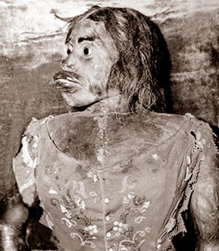 Мумифицированное тело Хулии Пастраны