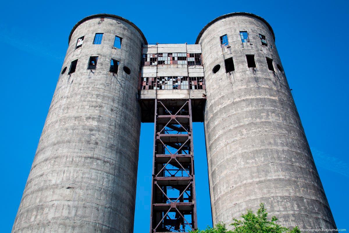 Башни завода «Куйбышевфосфор» г. Тольятти