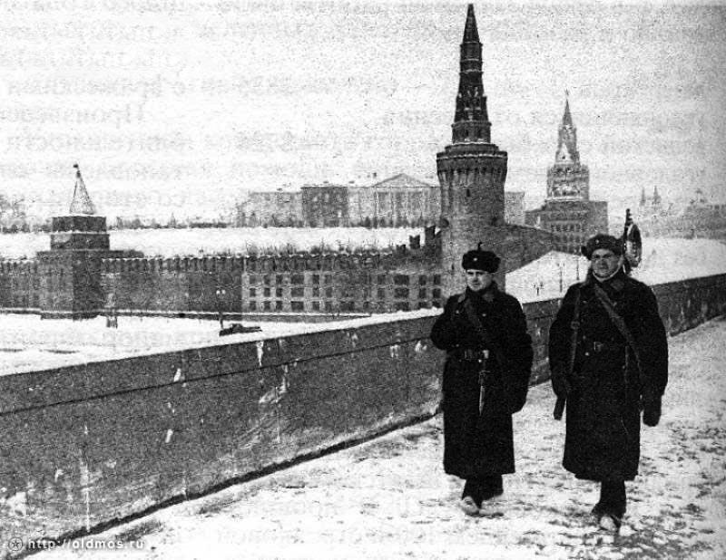 Маскировка стен Кремля