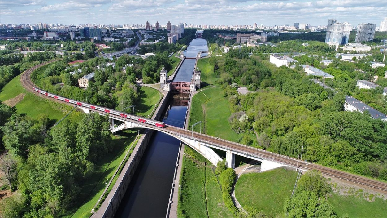 Один из шлюзов Московского канала