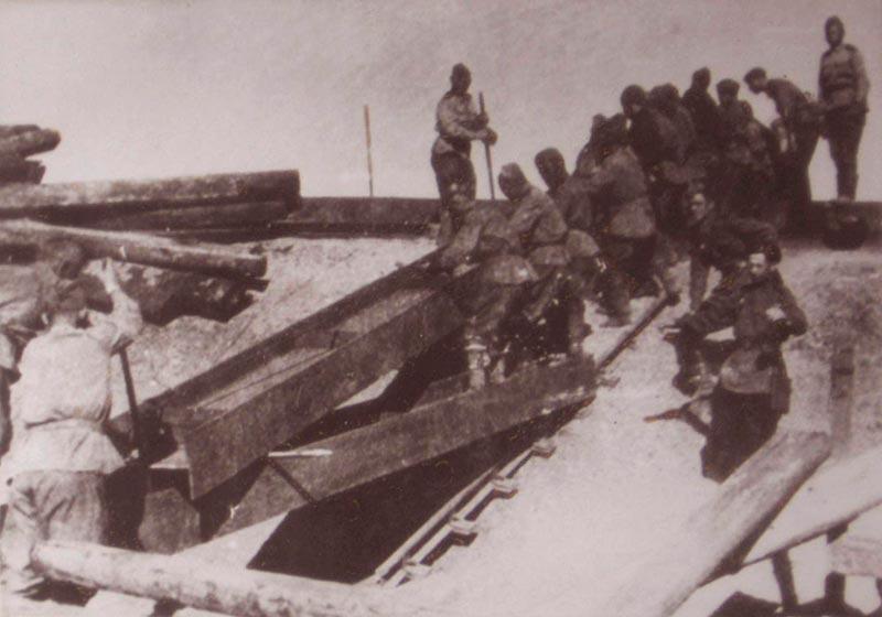 Восстановление моста в 1043 году