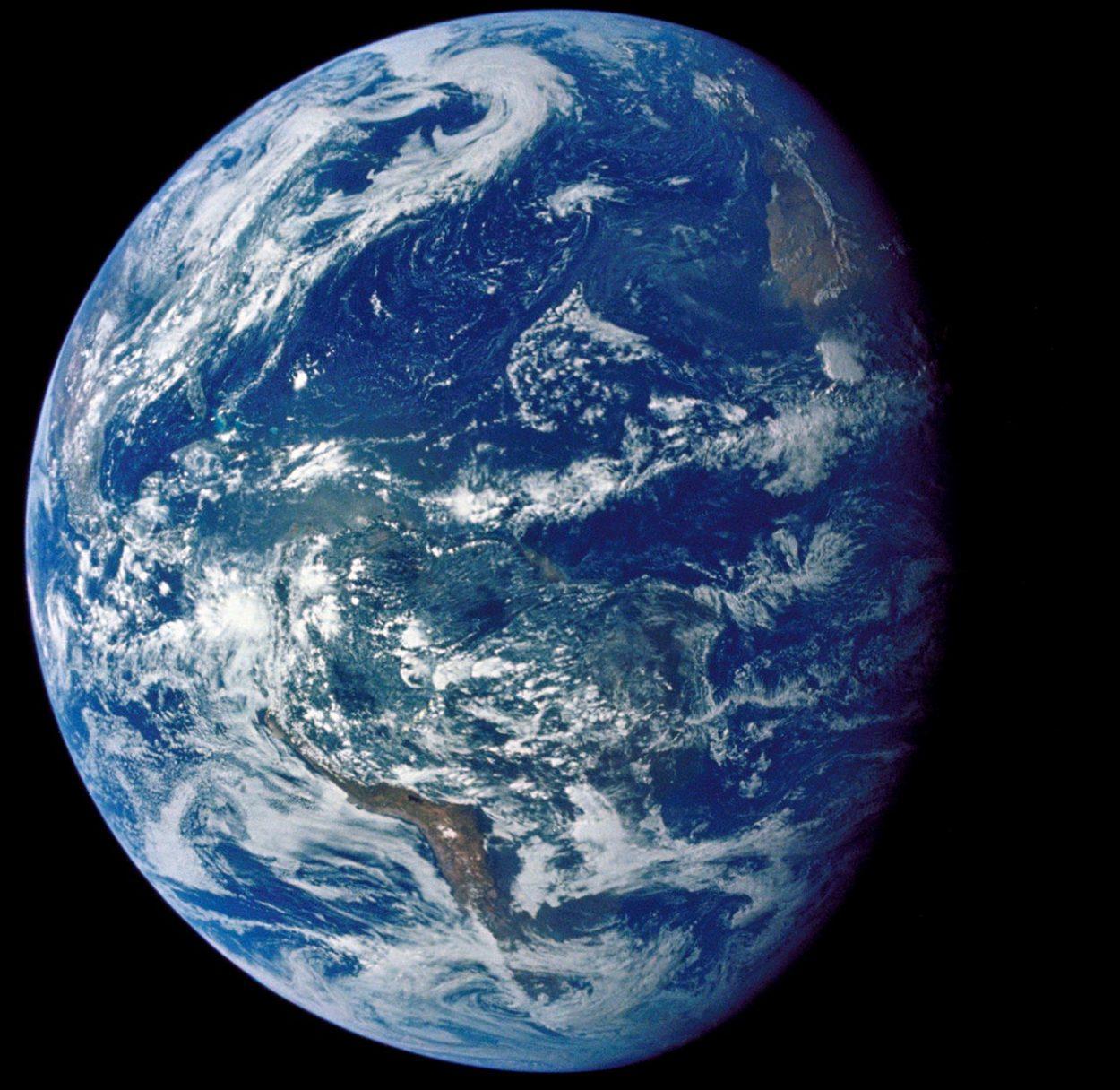 Снимок Земли, сделанный экипажем «Аполлона-15»