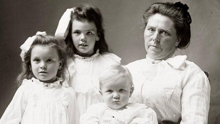 Белль Ганес и её дети