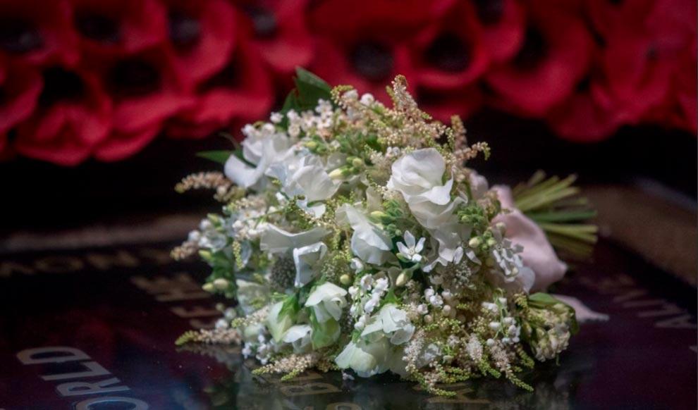 Свадебный букет из веток миры
