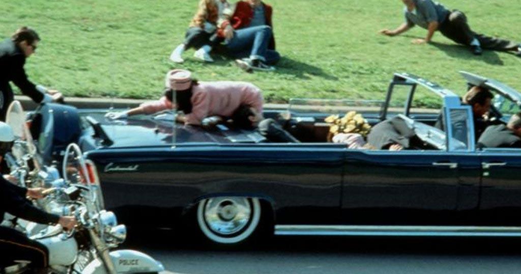 Автомобиль президента Кеннеди во время убийства