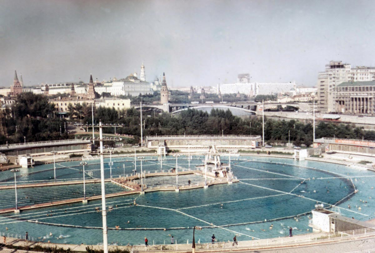 Бассейна Москва на месте храма Христа Спасителя, 1960 год