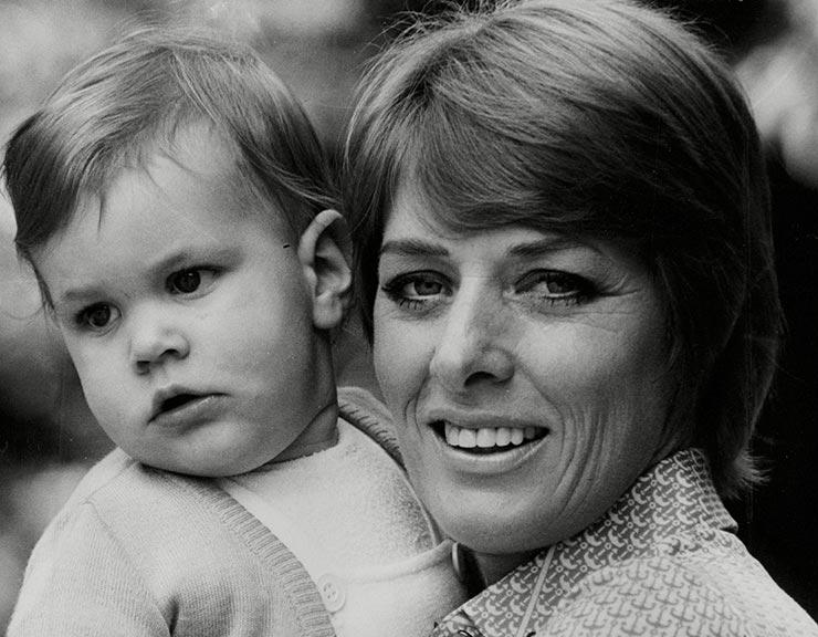 Ким (Гроув) Касали и её сын Мило