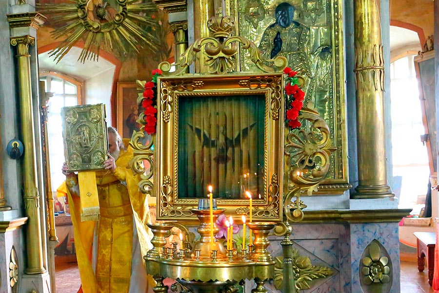 Трёхликая икона в селе Шершово