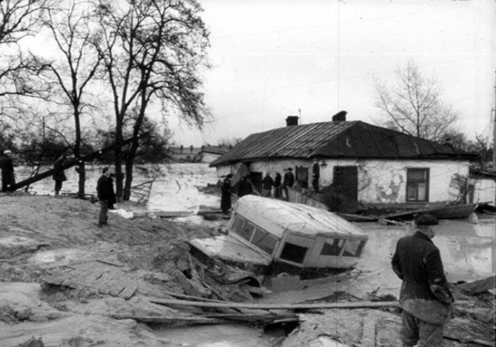 Последствия прорыва плотины в Киеве, 1961 год