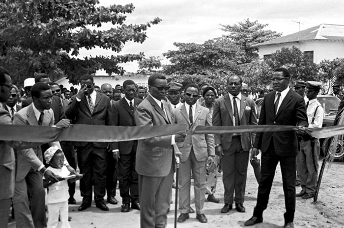 Масиас Нгема на церемонии открытия нового административного здания.