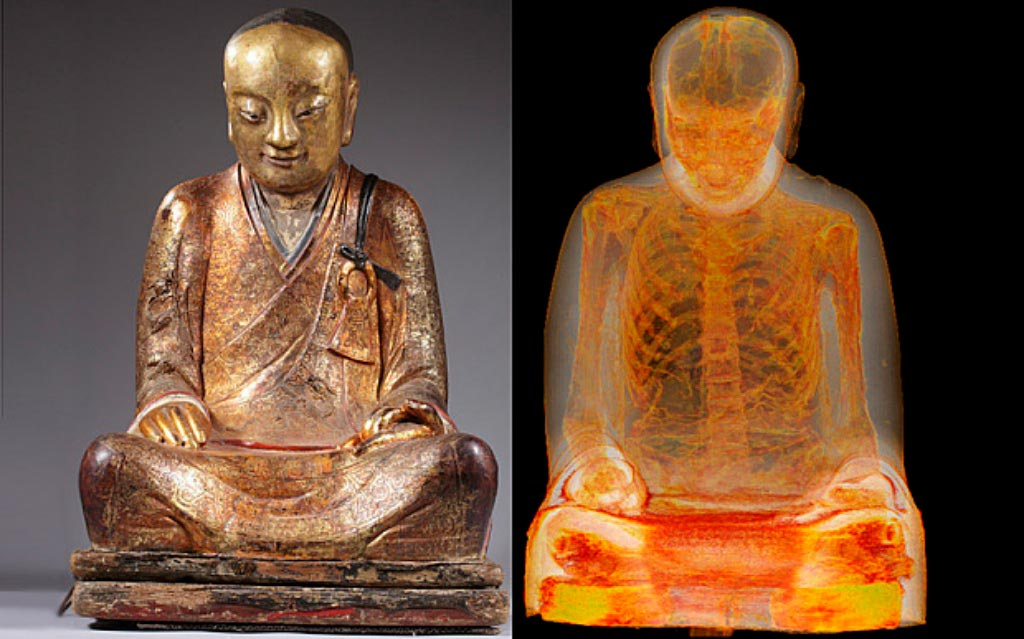 Монах внутри статуи Будды