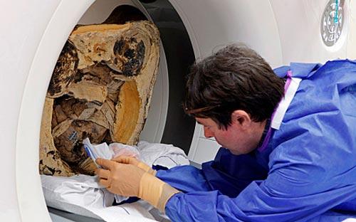 Томография тысячелетней мумии буддийского монаха