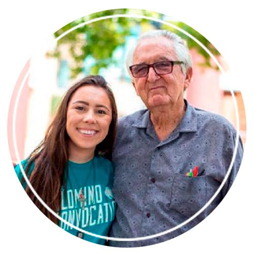 Рене Найра со своей внучкой