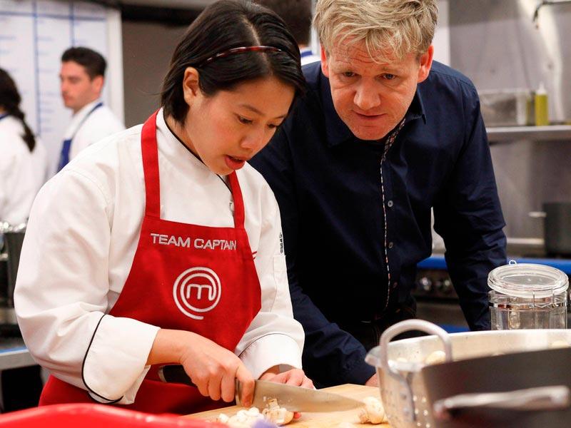 Кристина Ха и Гордон Рамзи на кулинарном реалити шоу «Мастер Шеф»