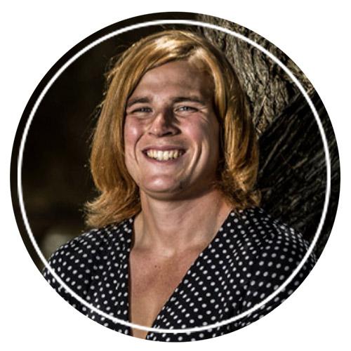 Австралийский трансгендер-гонбалист Ханна (Каллум) Мунси