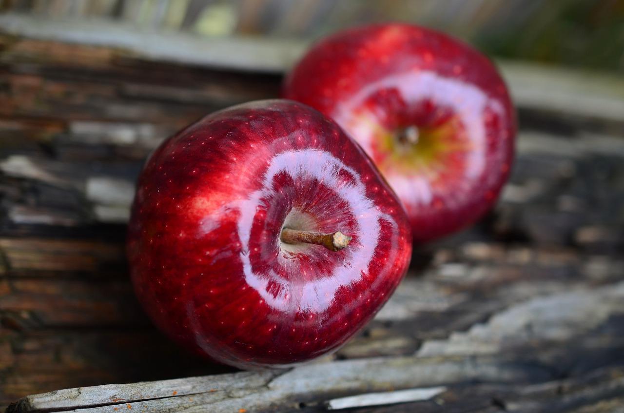 Воск, которым покрывают яблоки, съедобен