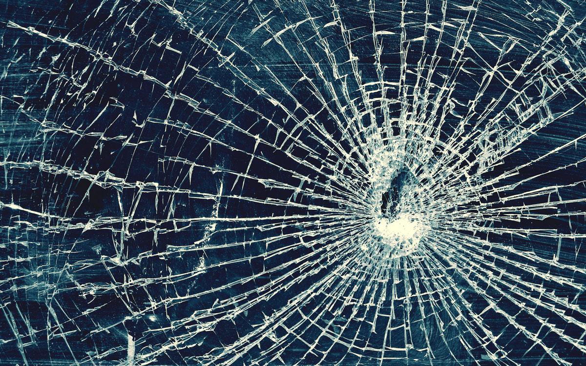 Небьющееся стекло было изобретено случайно