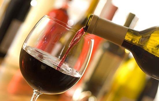Большой винный фужер (англ.: oversized wine glass)