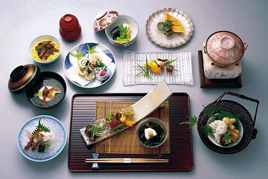 Не вредно ли употреблять блюда японской кухни каждый день на обед и ужин?