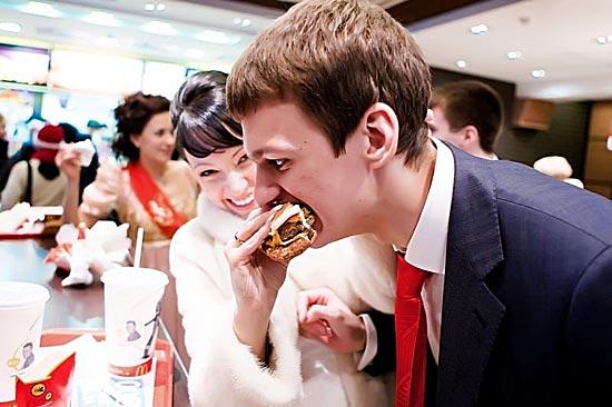 В Гонконге можно отпраздновать свадьбу в McDonald's