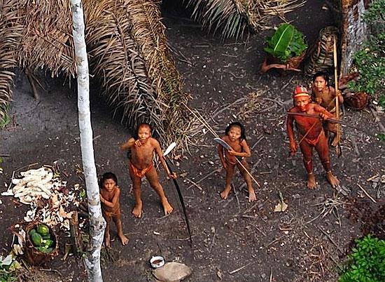 В Бразилии живёт племя, которое никогда не вступало в контакт с цивилизацией
