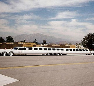 Длина самого длинного лимузина в мире — 30,5 метров