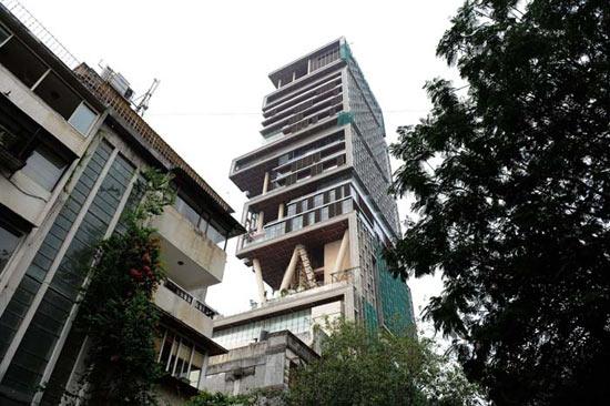 27-этажный небоскрёб Antilia — самый высокий в мире частный дом