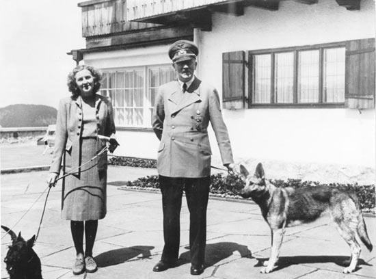 Нацисты учили собак говорить и читать
