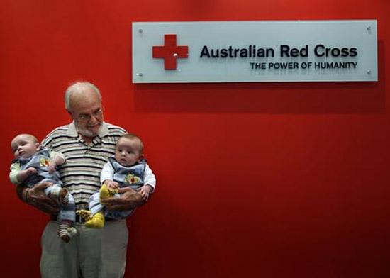 Австралиец Джеймс Харрисон спас от смерти 2000000 детей