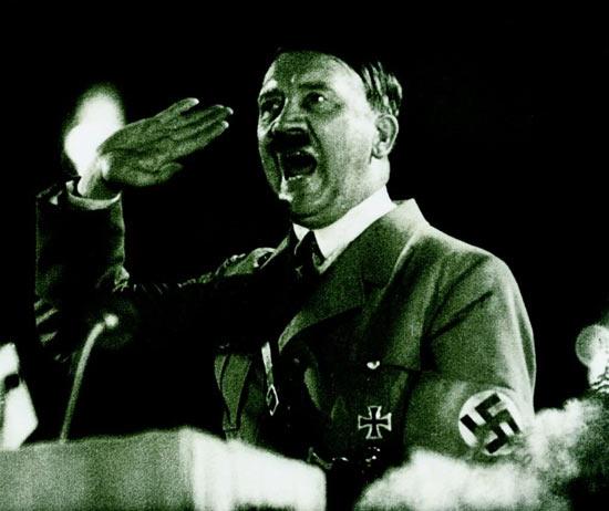 Адольф Гитлер был вуайеристом, садистом, пигофилом, копрофилом, пиктофилом и пр.