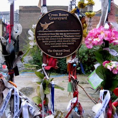 Кладбище проституток в Англии является популярным туристическим местом