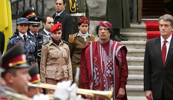 В личной охране Муаммара Каддафи работают 40 женщин-девственниц