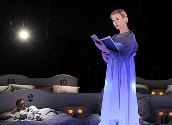 Пьеса «Колыбельная» театра Barbican усыпляет зрителей