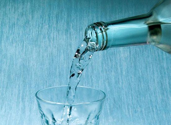 Единственным противоядием смертельно-ядовитого метанола является обычный алкоголь