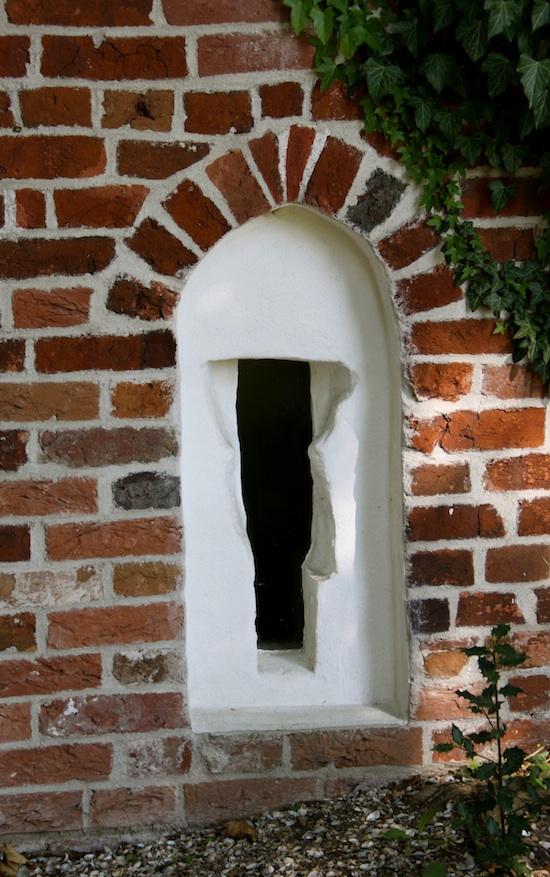 В церквях есть тайные окна