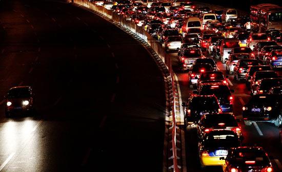 Рекордная автомобильная пробка длилась более недели