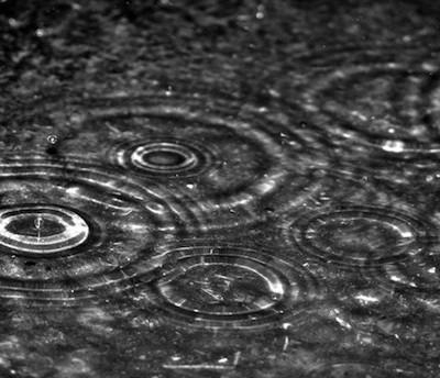 В Абу-Даби (ОАЭ) идут искусственные дожди