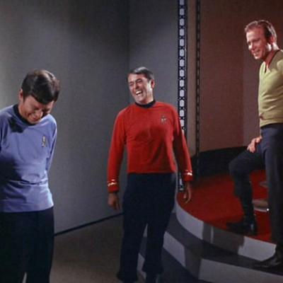 В кино и сериалах есть «правило красной рубашки»