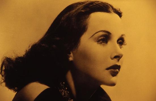 Актриса, первая в истории снявшаяся голой в кино, изобрела систему, на которой основан стандарт GSM