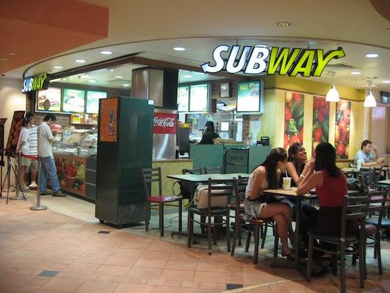 Самая крупная сеть ресторанов в мире — это не McDonald's, а Subway
