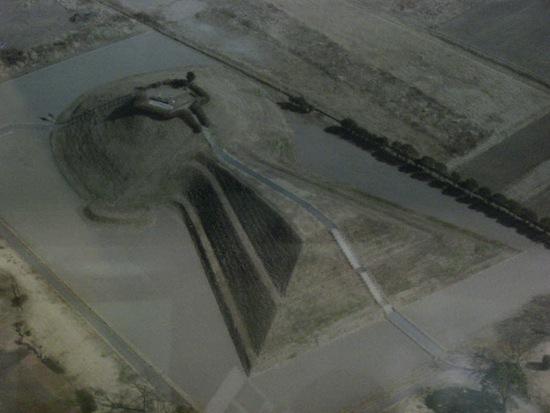 Самая большая гробница в мире — это захоронение японского императора Нинтоку