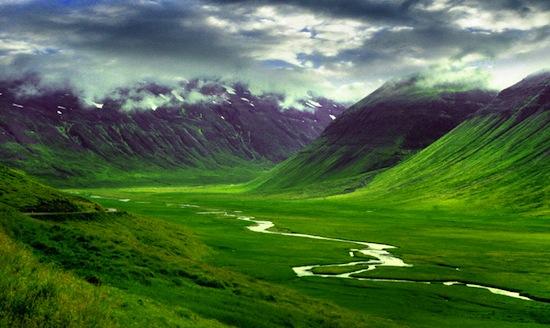 Перед тем, как построить что-то в Исландии, необходимо проверить территорию на наличие эльфов