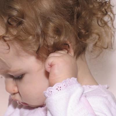 Те, у кого в детстве часто болели уши, в два раза чаще имеют лишний вес