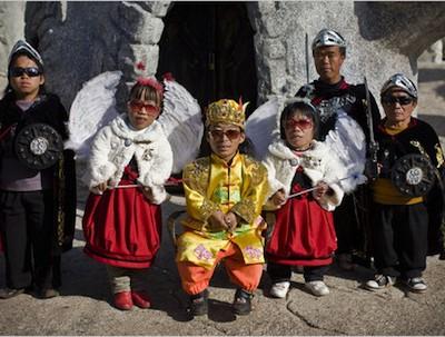 В коммуне Куминг в Китае живут только карлики