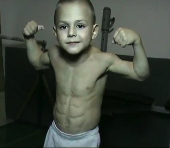 Джулиано Строе — самый юный в мире атлет и культурист
