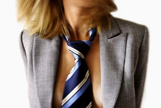 Туго затянутый галстук способствует ухудшению зрения