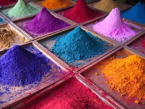 Существуют «запрещённые цвета», например, красно-зелёный и жёлто-синий