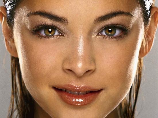 Самый редкий цвет человеческих глаз в мире — это зелёный