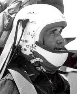 Джон Пол Стэпп — «самый быстрый человек на Земле»